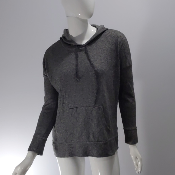 American Eagle Outfitters Sweaters - American eagle long sleeve hoodie
